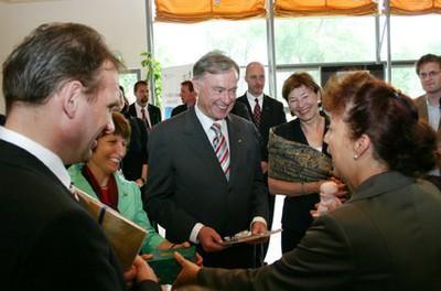Am 4. Juni 2008 besuchten Bundespräsident Köhler und Thüringens Ministerpräsident Ohrdruf die Ausstellung. Die Bürgermeisterin überreichte den Gästen Kewpie-Puppen und erläuterte deren Geschichte und Bedeutung für den Ort.