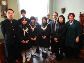 Führung und Gespräch mit Schülern und Lehrern aus Tsuwano am 15.2. 2012
